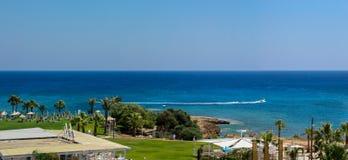 Protaras, Chipre 19 de junho de 2015: Litoral Fotos de Stock