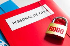 Proteção de dados pessoal de Rodo com cadeado e conceito pessoal dos detalhes Foto de Stock
