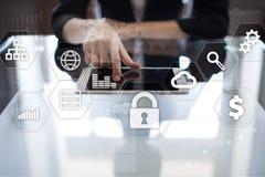 Proteção de dados, segurança do Cyber, segurança da informação Conceito do negócio da tecnologia Foto de Stock Royalty Free