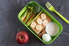 A proteína e o veg saudáveis fazem dieta a caixa do petisco para o almoço Fotografia de Stock
