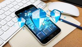 Protección anti del escudo del virus en el teléfono móvil Imagen de archivo