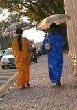 Protección de Sun y manera del Malay. Kuching Sarawak Foto de archivo
