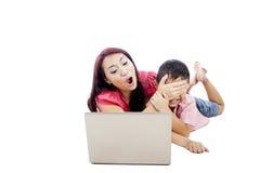 Protection d'enfant contre l'Internet dangereux Image libre de droits