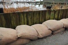 Mur de sout nement d 39 inondation photo stock image 48424654 - Sac de sable inondation ...