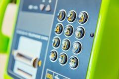 Protection de numéro de téléphone public dans l'aéroport Image stock