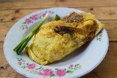 Protection thaïlandaise et crevette enveloppée en oeuf. Photos stock