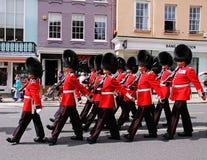 Protectores del granadero que marchan con Windsor Imagen de archivo libre de regalías
