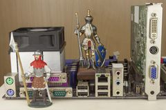 Protegendo seu computador do ataque Guarda-fogos contra o corte Cavaleiro que impede o acesso seguro Imagem de Stock