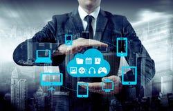 Proteja el concepto de los datos de la información de la nube Seguridad y seguridad de los datos de la nube fotos de archivo libres de regalías