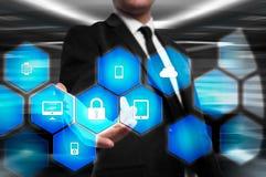 Proteja el concepto de los datos de la información de la nube Seguridad y seguridad de los datos de la nube imagenes de archivo