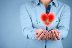 Proteja la atención sanitaria del corazón Foto de archivo libre de regalías