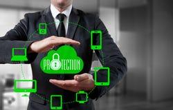 Proteja o conceito dos dados da informação da nuvem Segurança e segurança de dados da nuvem Foto de Stock