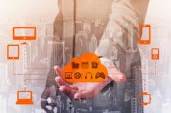Proteja o conceito dos dados da informação da nuvem Segurança e segurança de dados da nuvem Fotografia de Stock
