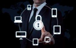 Proteja o conceito dos dados da informação da nuvem Segurança e segurança de dados da nuvem Fotografia de Stock Royalty Free