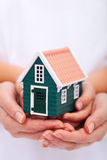Proteja su hogar - concepto del seguro imágenes de archivo libres de regalías