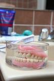 Protesi dentaria artificiale Fotografie Stock Libere da Diritti