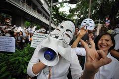 Protest Anti--regering 'för vit maskering' i Bangkok Arkivfoto