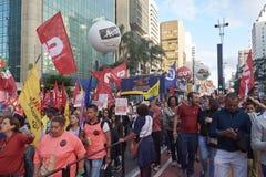 Protest av arbetare i Sao Paulo fotografering för bildbyråer