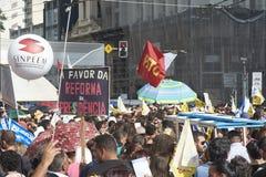 Protest av lärare mot socialförsäkringreform brazil paulo sao arkivbilder