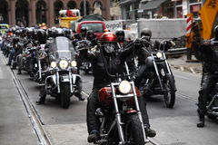Protest av motorcykelklubbor Oslo arkivfoton