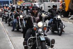 Protest av motorcykelklubbor Oslo royaltyfria bilder
