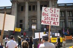 Protest för räkning C-51 (Anti--terrorism handling) i Vancouver Arkivbilder