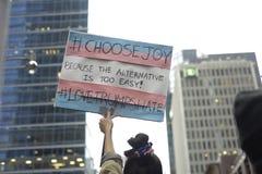 Protest framme av trumftornet i Toronto Arkivbilder