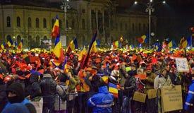 Protest gegen die Regierung in Bukarest Stockbild