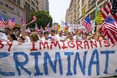 Protest gegen illegale Einwanderung stockbilder
