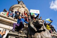 Protest in Parijs tegen een vijfde mandaat van Bouteflika van Algerije royalty-vrije stock fotografie