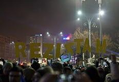Protest przeciw korupcj reformom w Bucharest zdjęcia royalty free