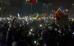 Protest przeciw korupcj reformom w Bucharest fotografia stock