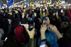 Protest tegen corruptiehervormingen in Boekarest stock afbeelding