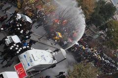 Protest tegen de arrestatie van Koerdische parlementariërs Stock Foto