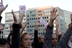 Protest tegen de handelsovereenkomsten TTIP en CETA in Brussel op 20 September, 2016 in Brussel Stock Fotografie