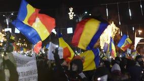 Protest tegen de wetten van Rechtvaardigheid in Boekarest stock footage