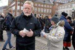 PROTEST TEGEN OVERHEID VOORAAN HET PARLEMENT Stock Afbeeldingen