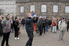 PROTEST TEGEN OVERHEID VOORAAN HET PARLEMENT Royalty-vrije Stock Foto's