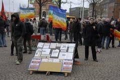 PROTEST TEGEN OVERHEID VOORAAN HET PARLEMENT Stock Foto