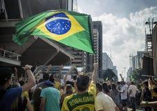 Protesta anticorrupción el Brasil imagenes de archivo