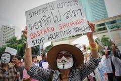 """Protesta antigubernamental de la """"máscara blanca"""" en Bangkok Imagen de archivo"""