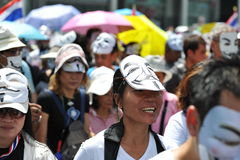 Protesta blanca antigubernamental de la máscara en Bangkok Imágenes de archivo libres de regalías