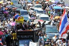 Protesta blanca antigubernamental de la máscara en Bangkok Fotografía de archivo