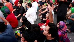 Protesta contra elecciones injustas en Paquistán almacen de metraje de vídeo