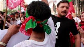 Protesta contra elecciones injustas en Paquistán metrajes