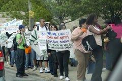 Protesta contro la nuova legge degli immigranti illegali fotografia stock