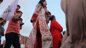 Protesta contro le elezioni ingiuste nel Pakistan stock footage
