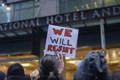 Protesta davanti alla torre di Trump a Toronto Fotografie Stock Libere da Diritti