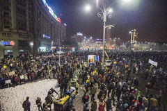 Protesta de Bucarest contra el gobierno Imágenes de archivo libres de regalías