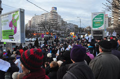 Protesta de Bucarest - cuadrado 16 de la universidad Foto de archivo libre de regalías
